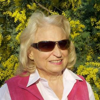 Dottie Jones Photo 20