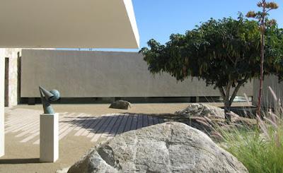 Casa Finisterra 19 Rumah Minimalis Indah Di Tebing Batu