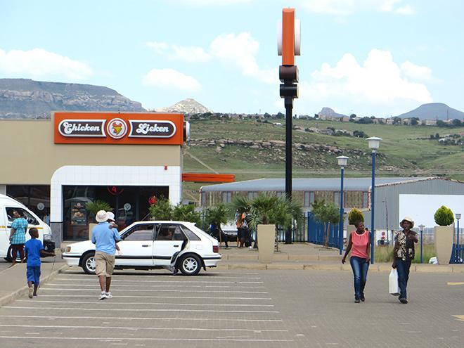 Shopping Centre MandelaPark, Phuthaditjhaba, Vrijstaat - Zuid Afrika