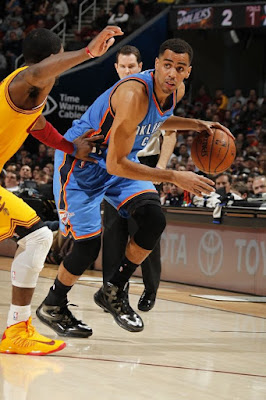 wearing brons nba lebron10 carbon thabo sefolosha 04 Wearing Brons: Breds, Carbons, Canaries, Xmas, IDs and More!