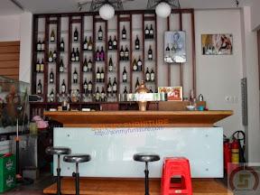 Tủ rượu gỗ 02