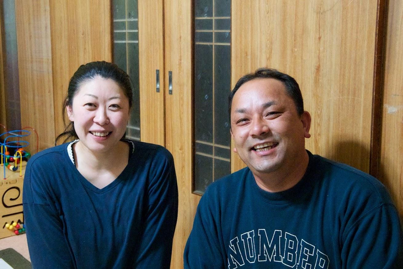 深瀬友博さん(38歳)美利さん(38歳)