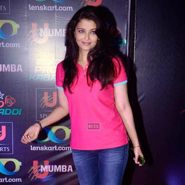 Aishwarya Rai Bachchan during the opening match of Pro-Kabbadi League, held in Mumbai, on July 26, 2014. (Pic: Viral Bhayani) <br />