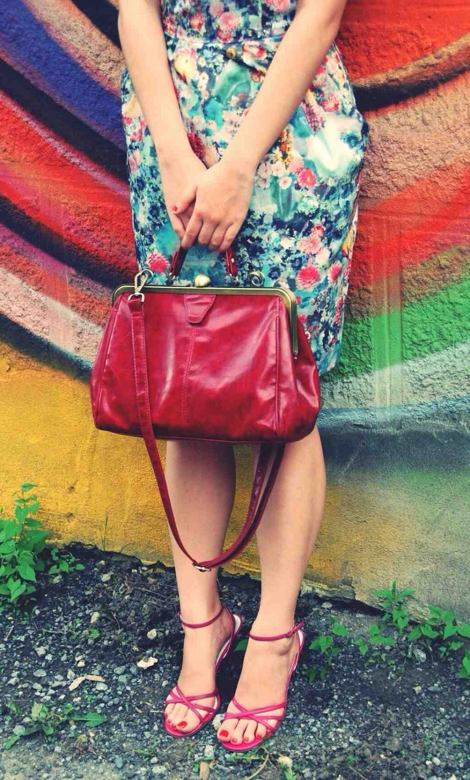 floral tulip dress retro handbag pink sandals
