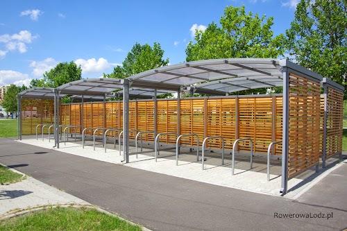 Dwa razy po 15 stojaków = zmieścić się może przynajmniej 60 rowerów.