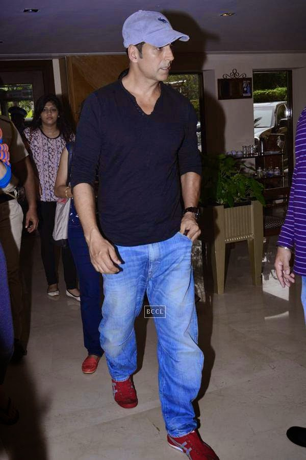 Akshay Kumar during the first look of movie Entertainment, held at Sun-N-Sand, in Mumbai. (Pic: Viral Bhayani)