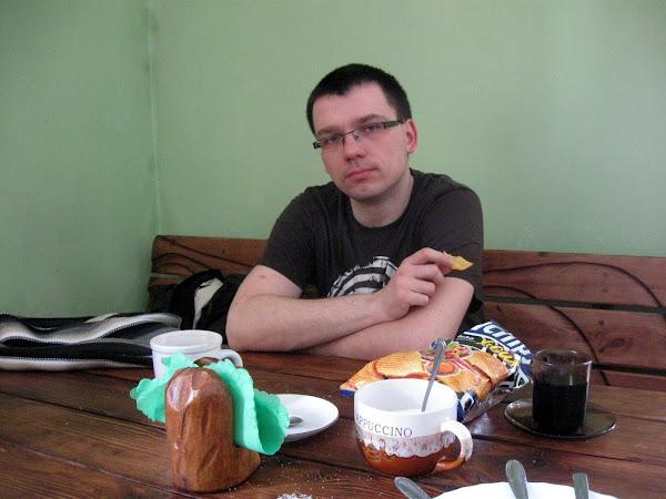schronisko Orle - gorąca czekolada wypita, czas na chipsy