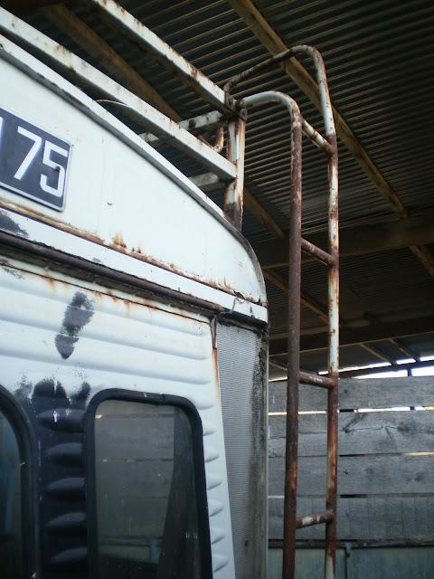 HY de ORTF à suspension hydropneumatique P7020087