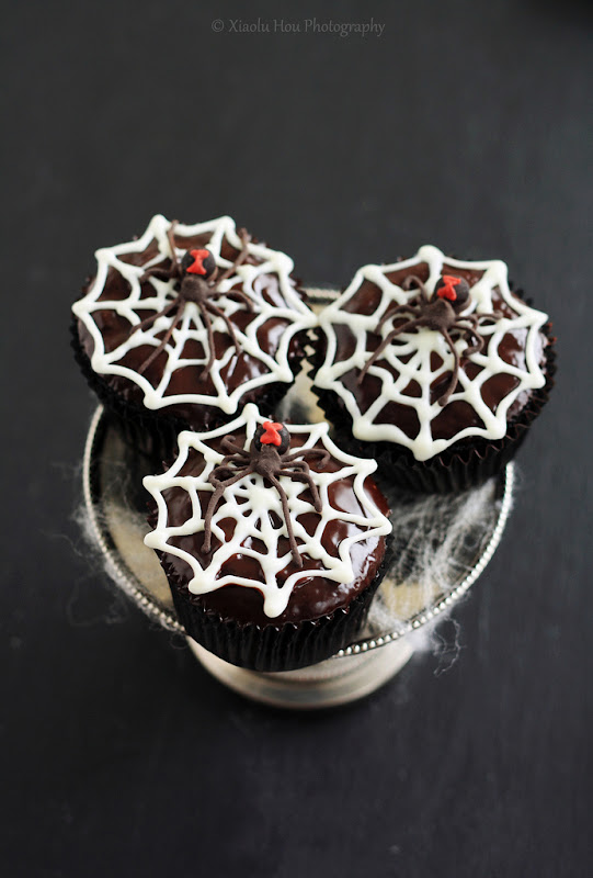 More Black Widow Cupcakes