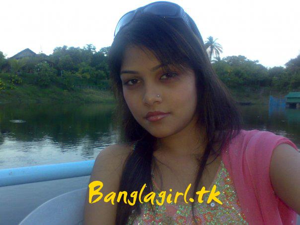 Banglarxxx Blogspot Com: Bangladesh Hero Alom: Hot Lady Girl Dhaka Ramp Fashion Show