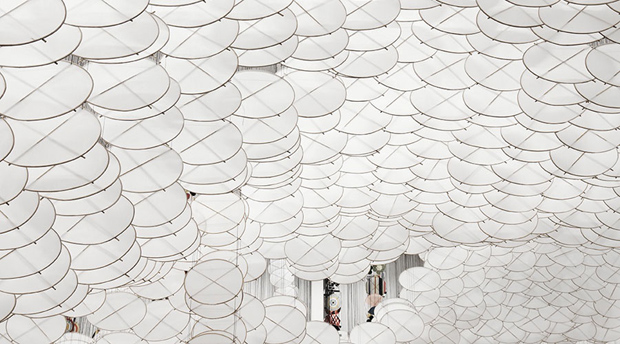 Cloud of 7000 Kites by Jacob Hashimoto
