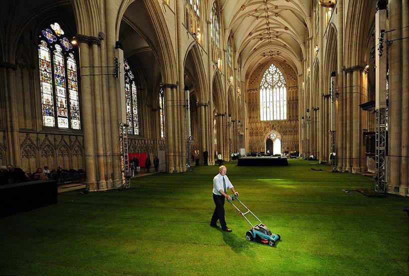 Йоркминстърската катедрала с нов, зелен облик