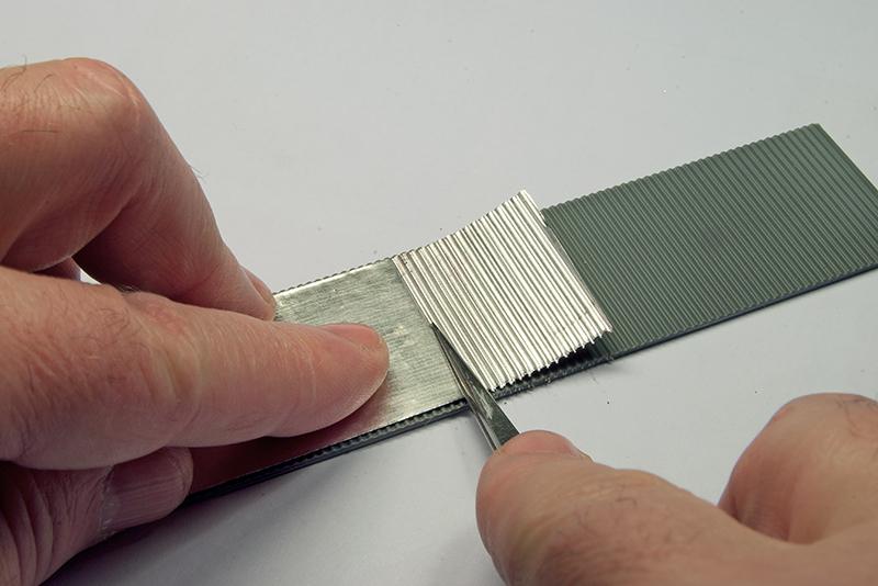 Yoryi puntocom modelismo y maquetas tejados de chapa - Materiales para tejados ...