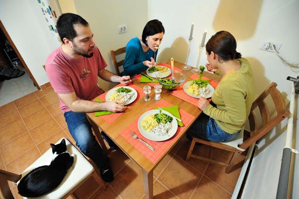 Razvan Anton pui cu sos de portocale salata si orez
