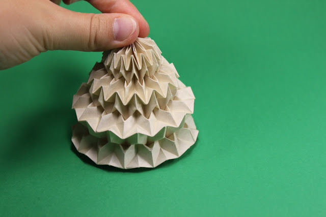 Mostly Folding: Creating my own lampshades based on the origami ... | 426x640
