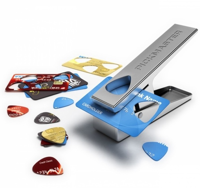 Pickmaster : Tool To Make Your Own Custom Guitar Pick From Unused Cards