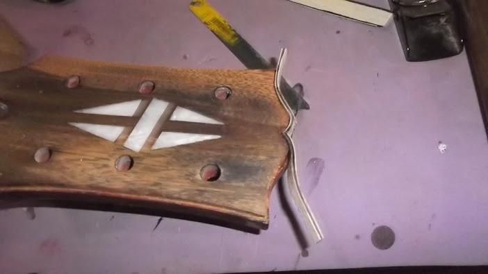 Construção inspirada Les Paul Custom, meu 1º projeto com braço colado (finalizado e com áudio) - Página 5 DSCF1486