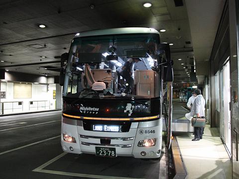 西鉄高速バス「Lions Express」 8546西鉄天神BC改札中