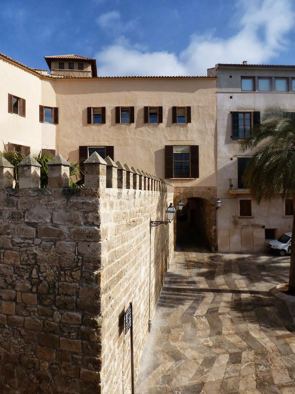 Desde Dalt Murada, hacia la Portella medieval.