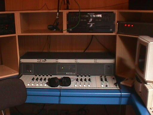 Studio Radio Contact Maasmechelen 3.JPG