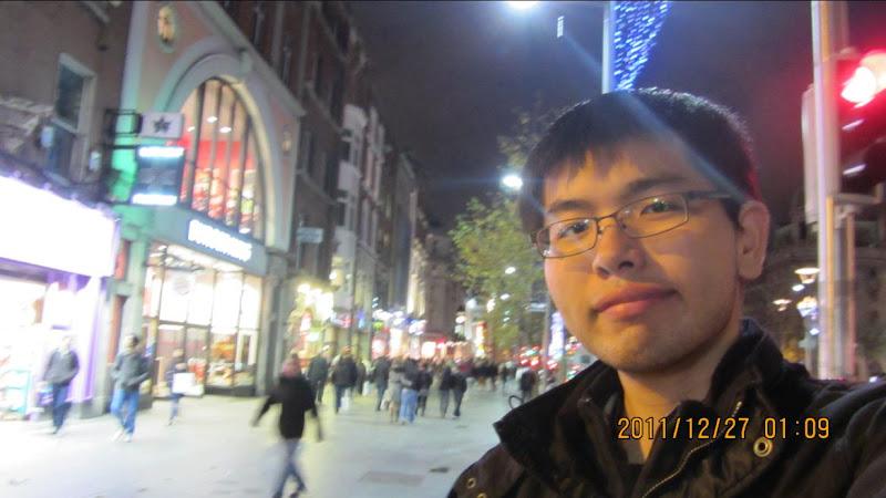 我在都柏林的購物大街上
