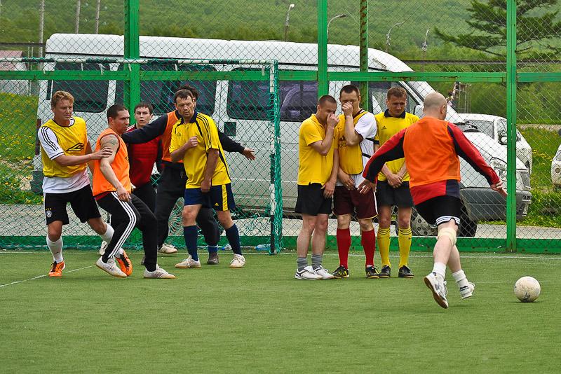 чемпионат южно-сахалинска по футболу, любительский футбол