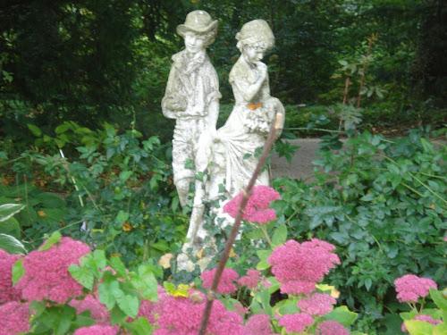 Kasteeltuinen ad Arcen - Rose con Statue