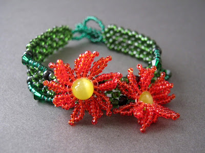 Beaded Poinsettia Bracelet