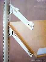 裝潢五金 品名:雙面傾斜支架 規格:25/30/35/40/45CM 顏色:銀色 玖品五金