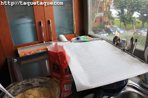 con el papel para hornear pude utilizar la rejilla como si fuera una bandeja de horno