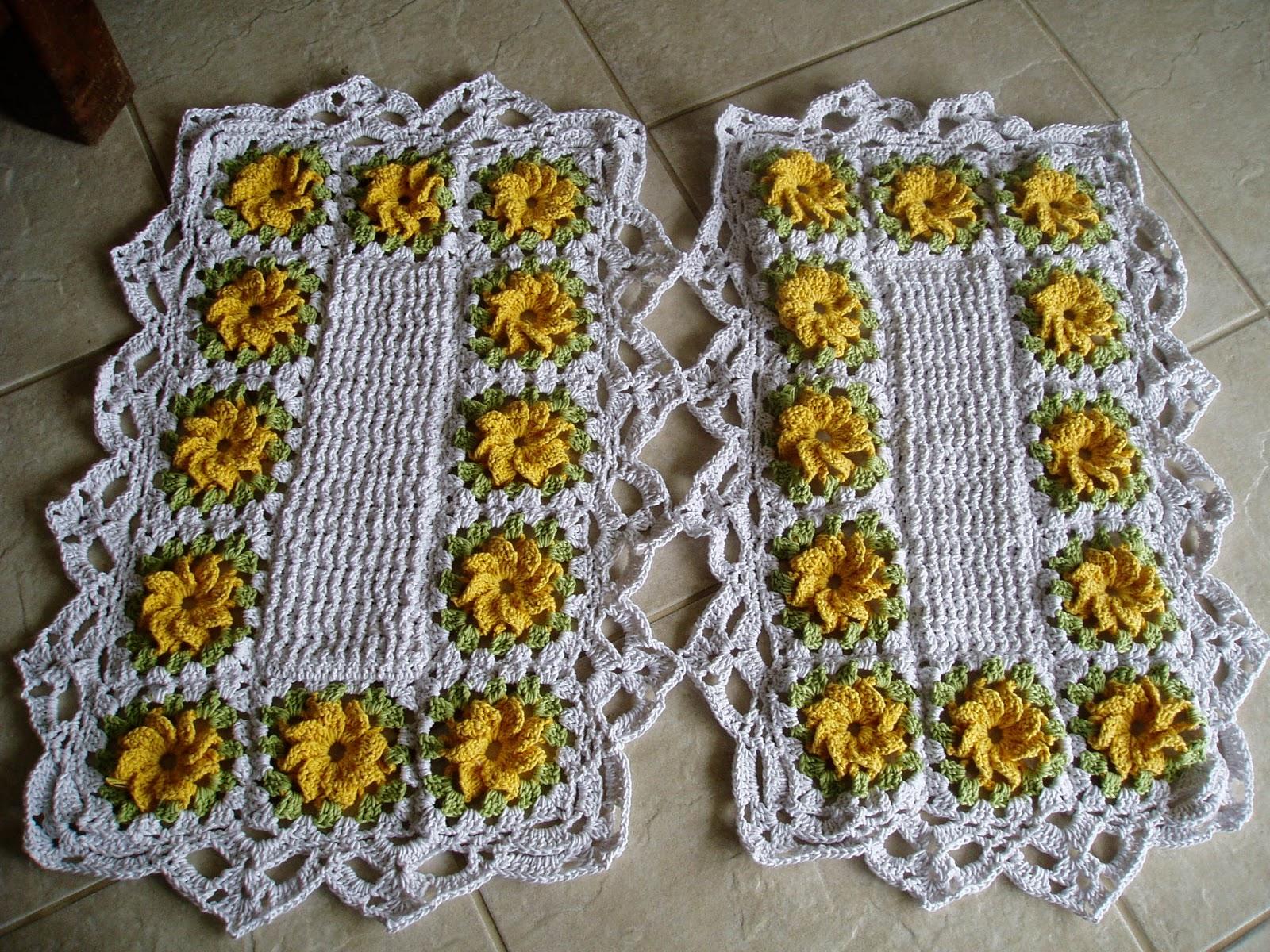 tecendo receitas tapetes de croche floral amarelo. Black Bedroom Furniture Sets. Home Design Ideas