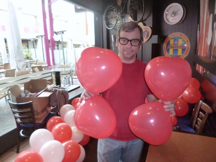 decoracion-globos-flor-de-corazones-1