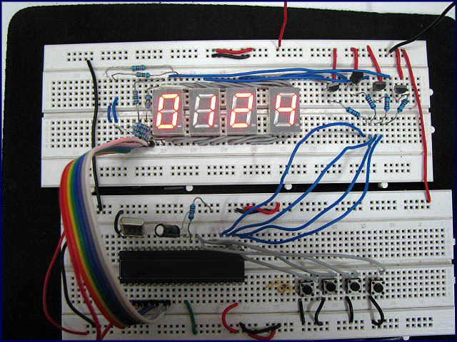 AT89C51 制作的时钟(图片来自 Engineers Garage)
