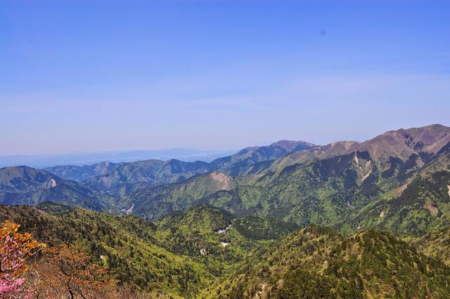鎌ヶ岳頂上下から頂上