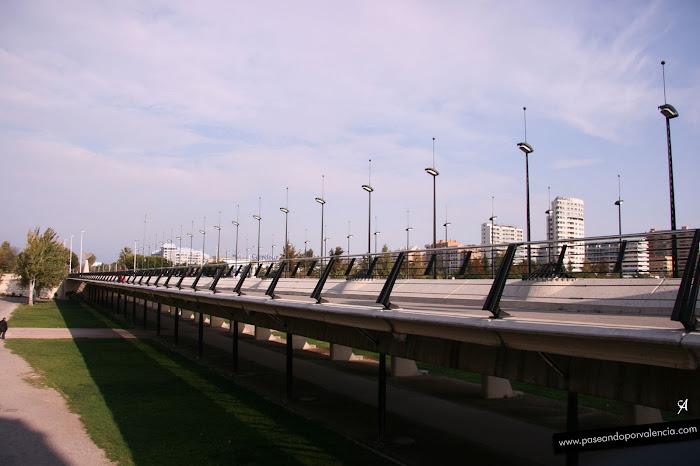 Puente nou de octubre ruta por el jard n del turia y los for Casa jardin 8 de octubre
