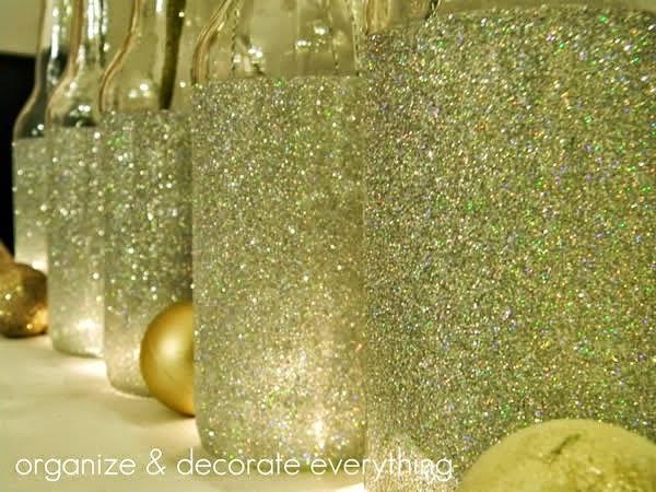 Garrafas personalizadas com glitter para incrementar a decoração