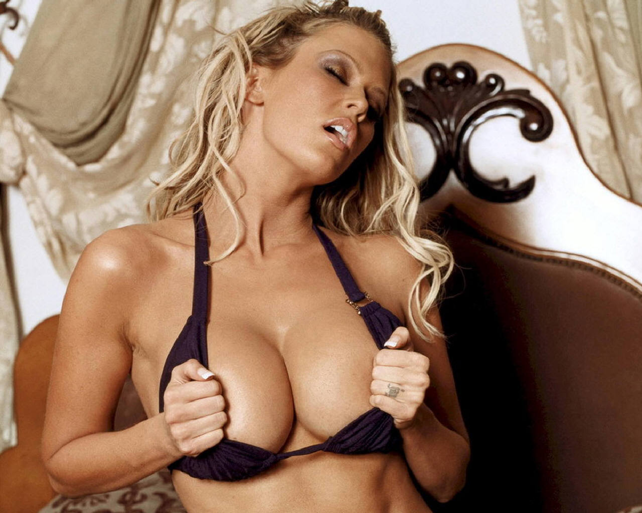 Blonde Pornstar With Big Boobs JJ 2011 Download Wallpapers Res 1280px X 1024px