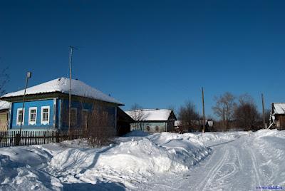 Деревня Мишотино зимой. Конец улицы
