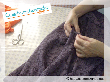 Customizar saia com renda