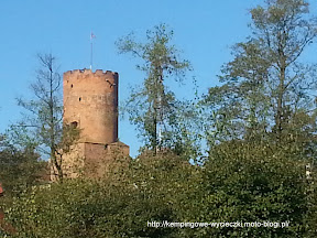 na zdjęciu Łągów - wieża zamku Joannitów