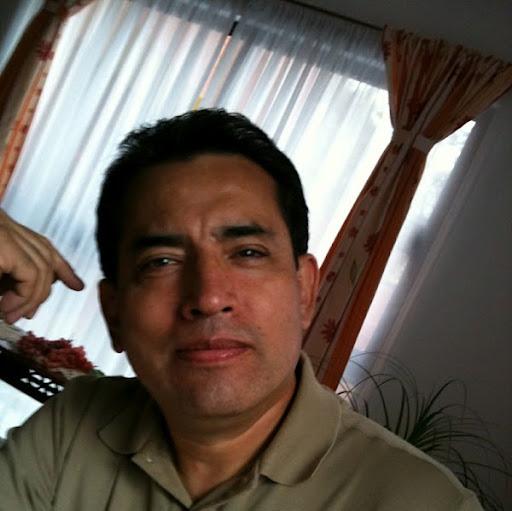 Hector Neyra Photo 6