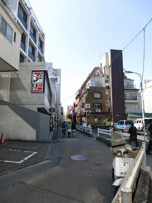 渋谷宇田川のNHK近くの細い路地