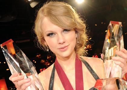 Taylor Swift Honored at BMI Awards:news,dress for girls0