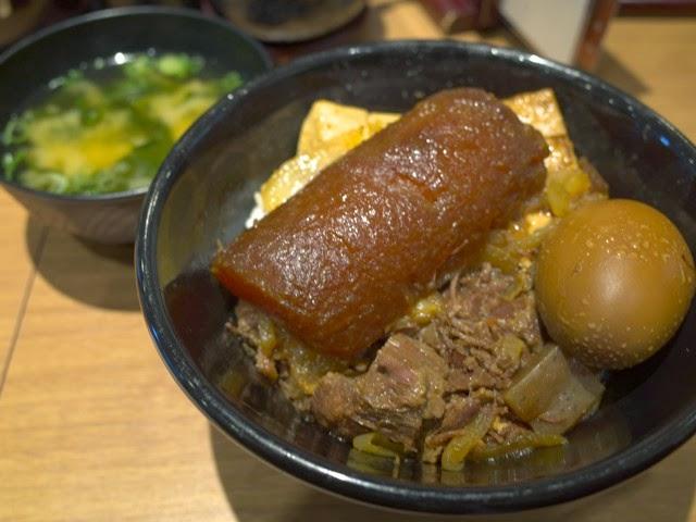 デラ肉めしと味噌汁セット