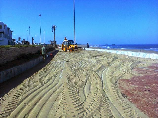 ممر توادا السياحي بشاطئ اكادير يختنق رملا