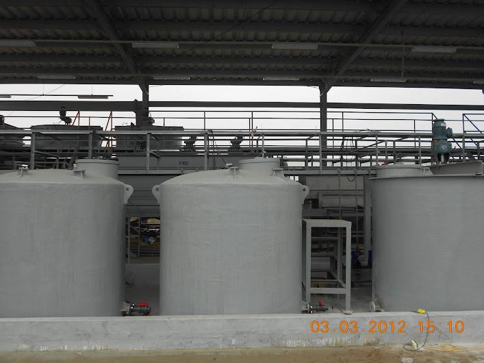 Bồn composite chứa hóa chất được lắp đặt