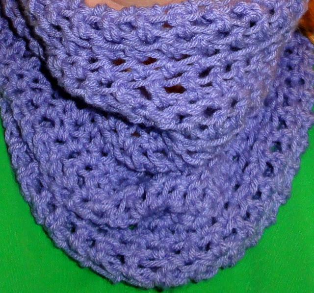 Cheri Quite Contrary: Crochet Convertible Cowl Adventures