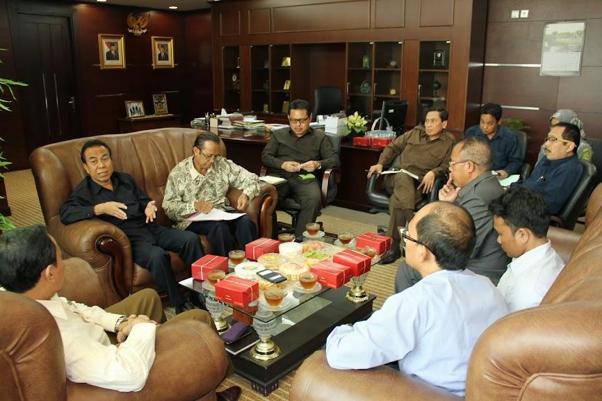Kunjungan Silahturahmi Pengurus Pusat HISSI ke Badilag | (22/8)