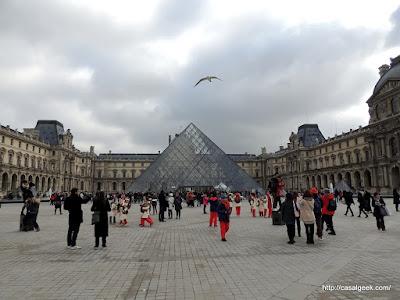 Louvre - Pirâmide de Vidro