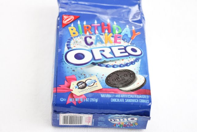 photo of a package of birthday cake oreos